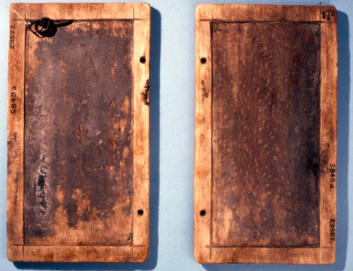 Tablettes à écrire en bois recouverte de cire