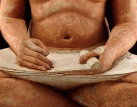 Détail scribe accroupi Louvre
